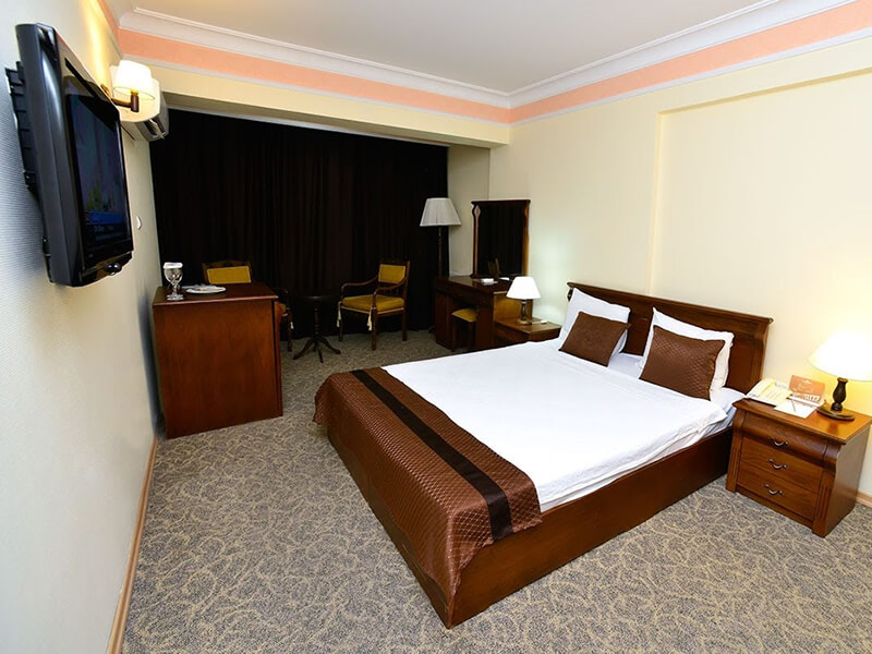 accommodation options izmir